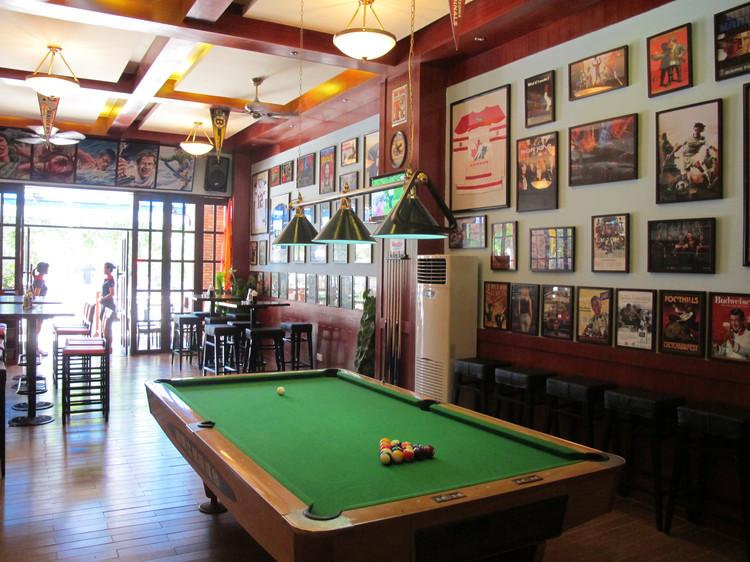 спорт бар в санье